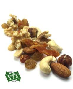 Nut-'n'-Fruit-Mix